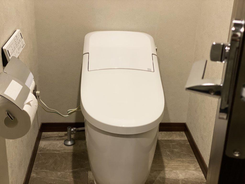 窓のないトイレ